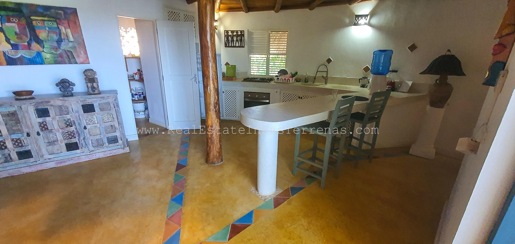 Caribbean villa on quiet location